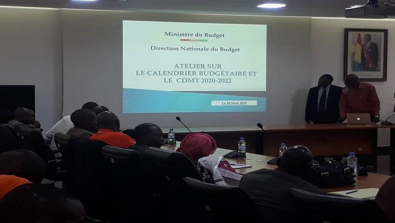 Calendrier Budgetaire.Guinee Des Cadres A L Ecole Pour L Execution Du Calendrier