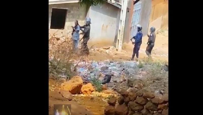 Une femme transformée en bouclier humain par des forces de l'ordre, en vue de se prémunir contre les jets de cailloux: 29 Jan 2020