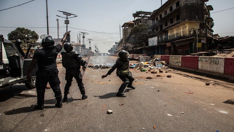 Répression des manifs politiques organisées par l'opposition; crédit photo.